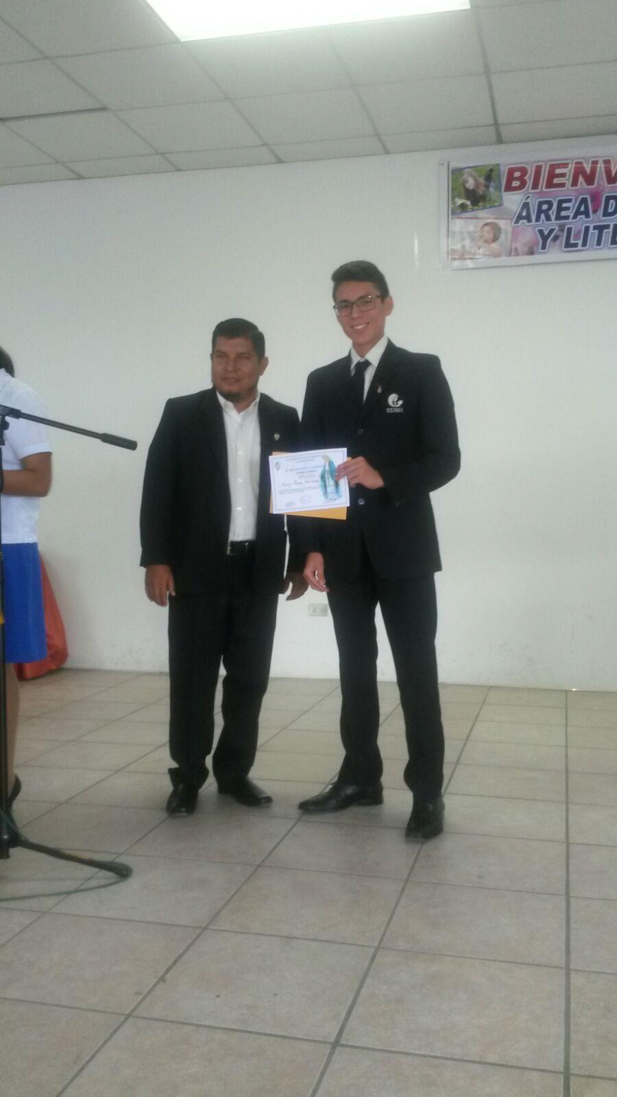Recibiendo el premio